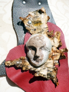 heart_birch bark_concrete_resin_face 2